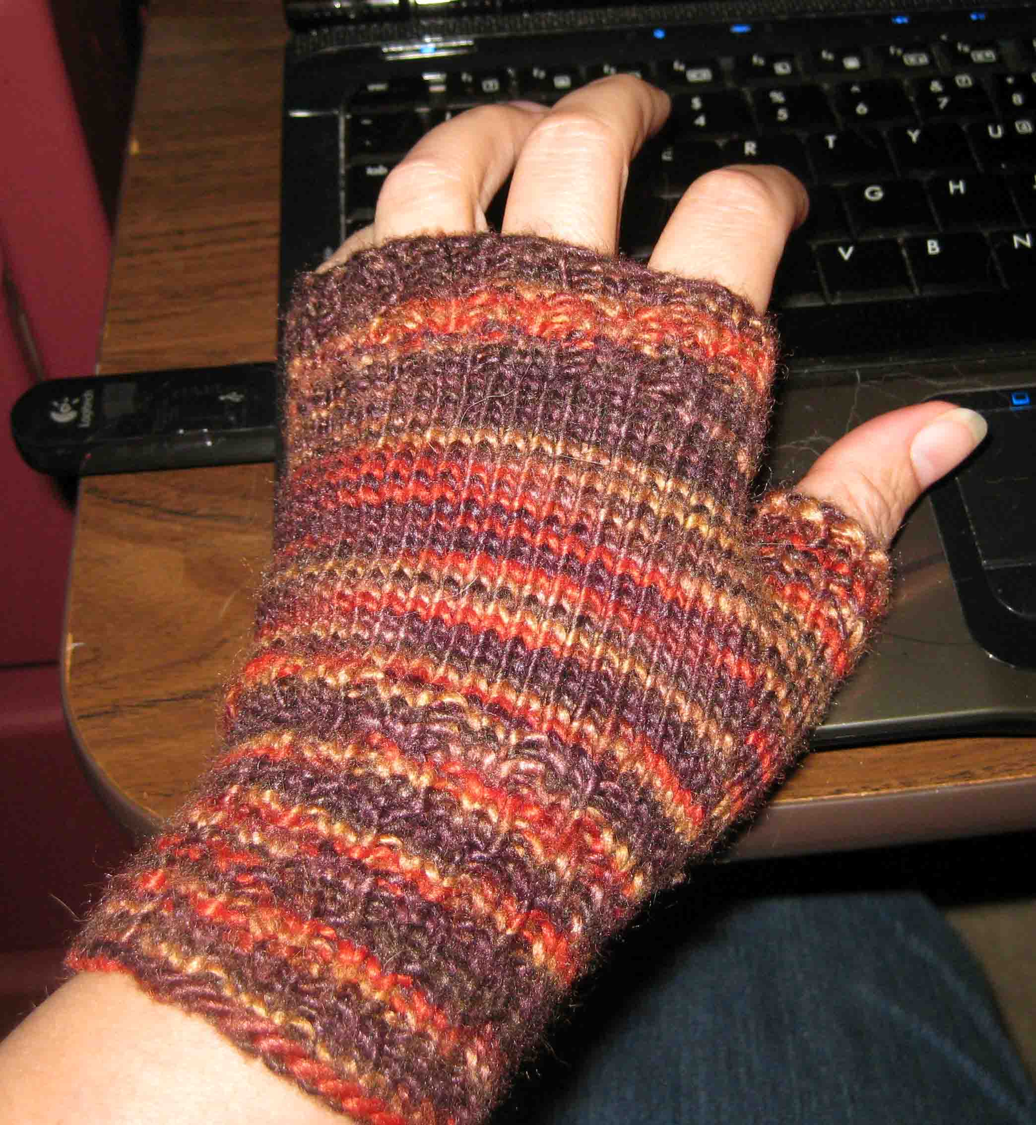 Knitting Pattern Fingerless Gloves Mittens : Knitting: My First Fingerless Mitts Random Bits of Projects