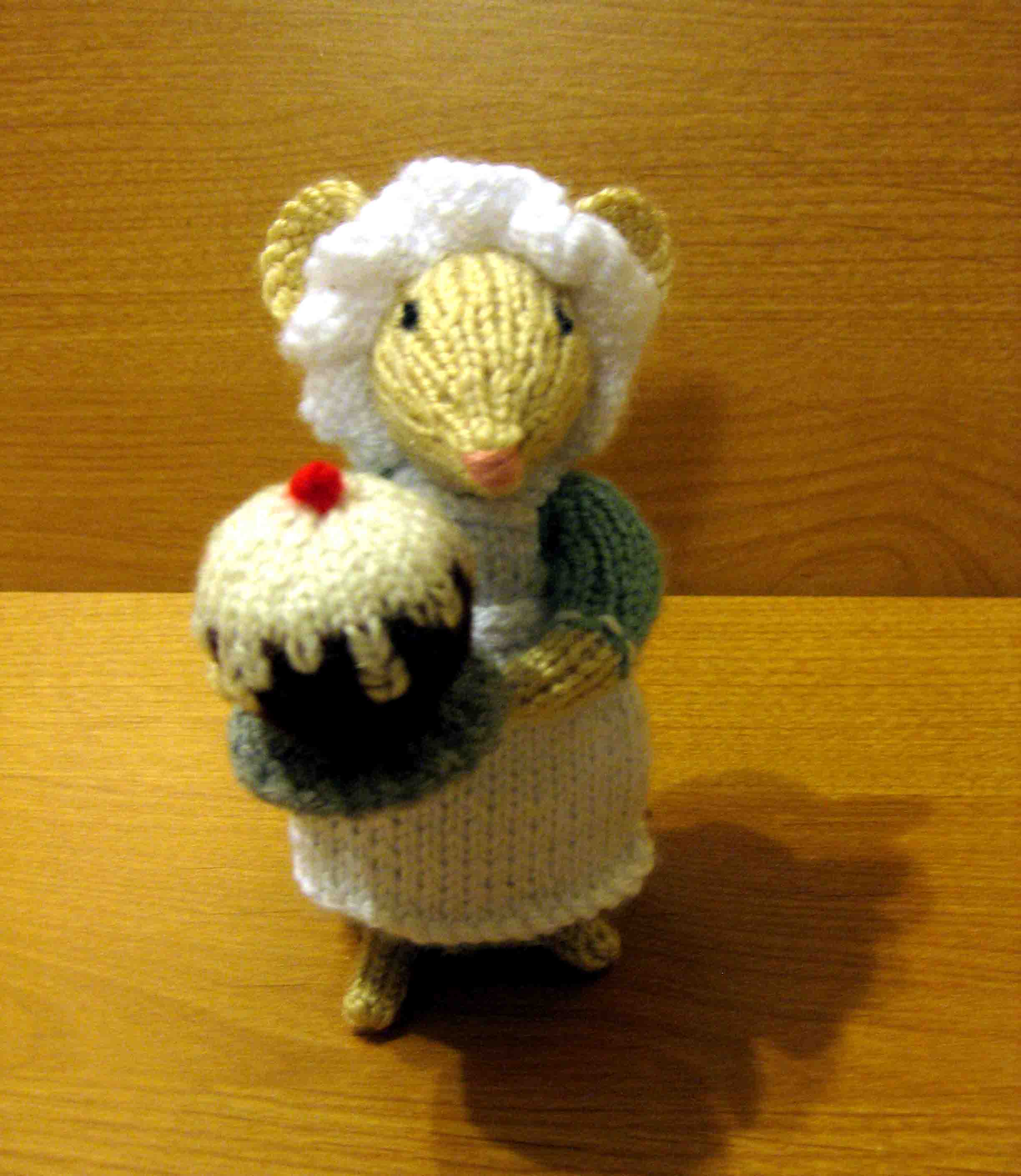 Knitting: Dickensian Party Mouse, Cook Random Bits of Projects