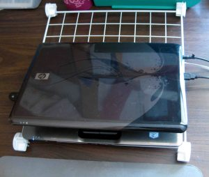 laptop on grid closed